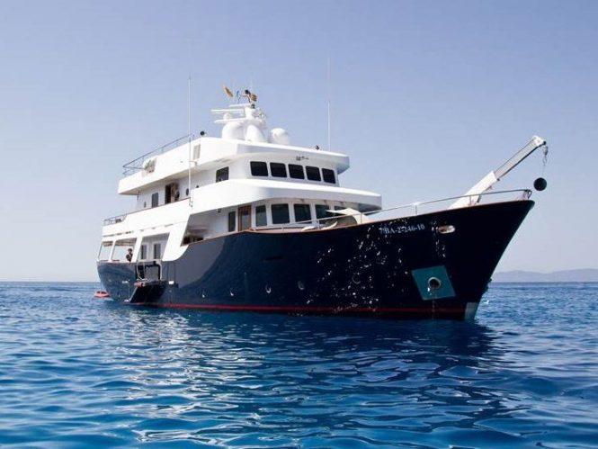 Navetta classic motor yacht SEMAYA