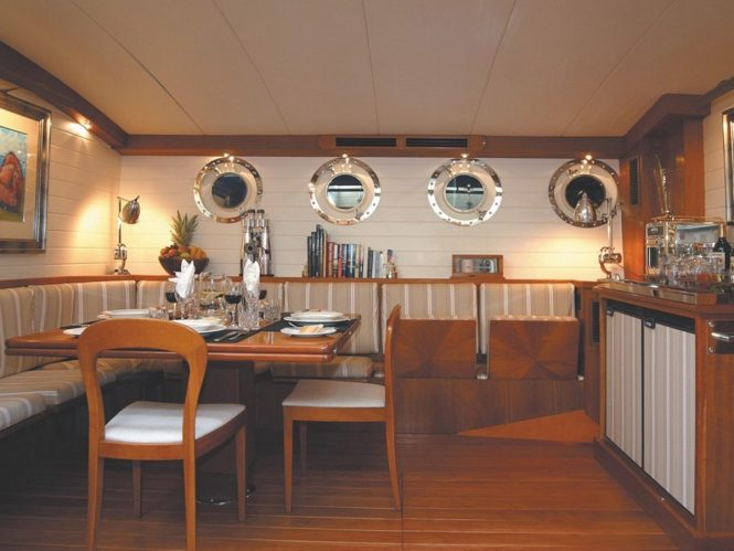 Sailing yacht ALEXA - Formal dining