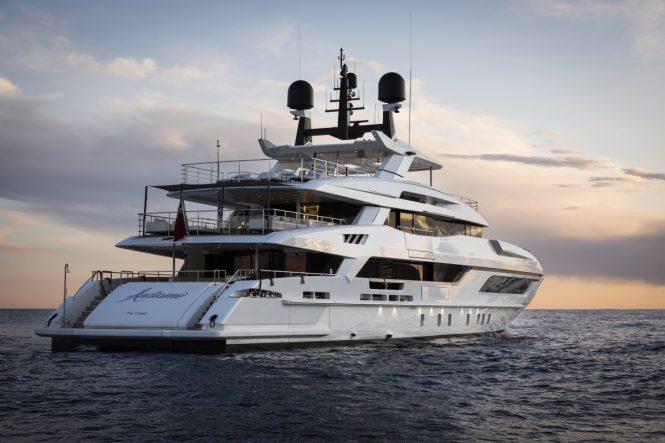 Superyacht ANDIAMO - Stern view