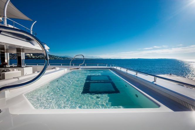 Superyacht CLOUD 9 - Main deck pool