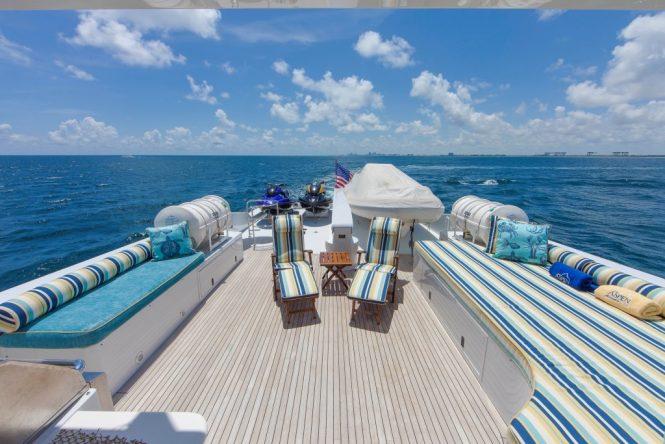 Superyacht OCEAN CLUB - Sundeck aft