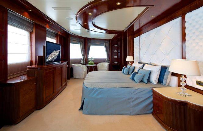 Superyacht O'MEGA - Master stateroom