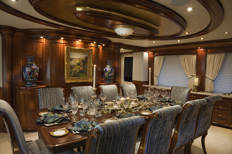 Special offer 10 off bahamas charters with luxury yacht for Formal dining area