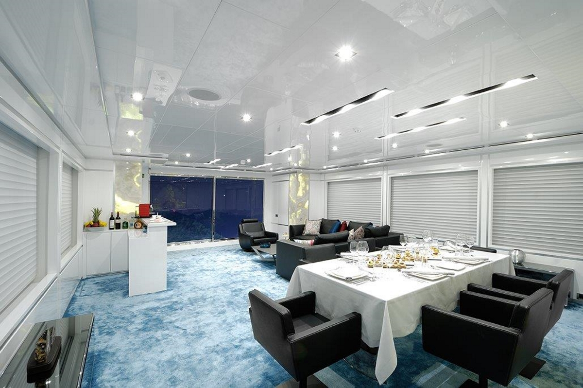 Superyacht serenitas salon formal dining area and bar for Formal dining area