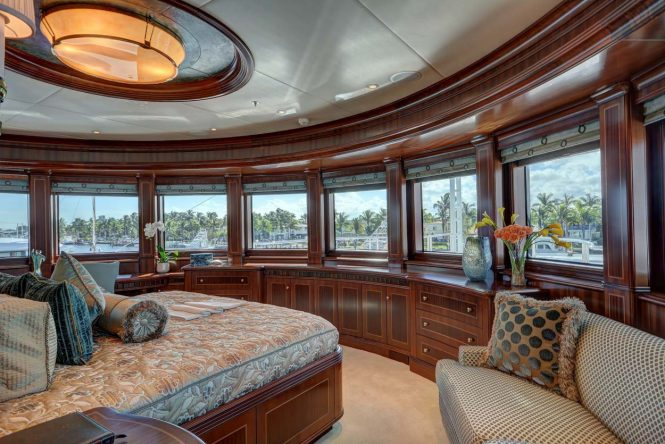 Superyacht SOVEREIGN - Upper deck master suite