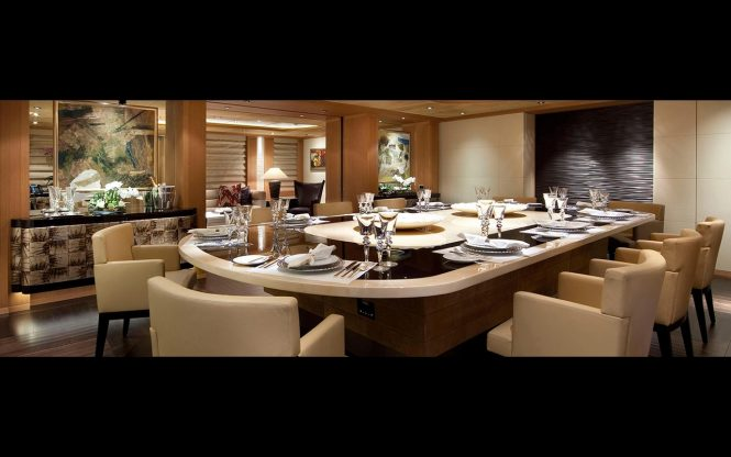 Superyacht SUNRAYS - Formal dining area