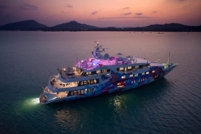 Austal superyacht SALUZI - Night illumination