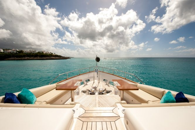 Foredeck seating aboard motor yacht AMORE MIO