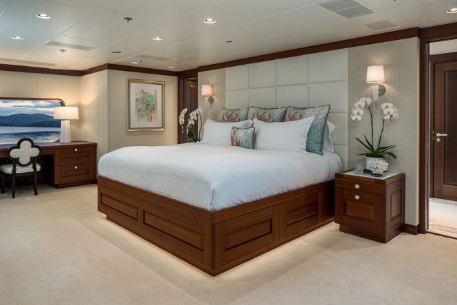 M/Y ENDLESS SUMMER - Master suite
