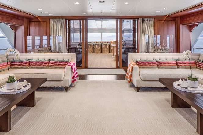 Motor yacht ENDLESS SUMMER - Main salon looking aft