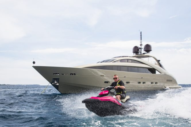 Motor yacht MIDNIGHT SUN - Built by ISA