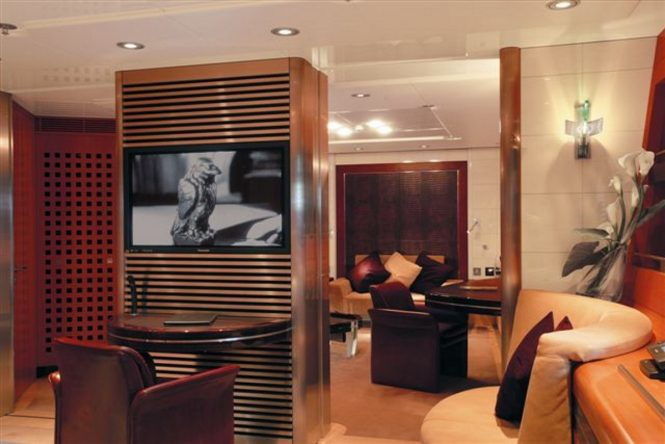 Sailing yacht MALTESE FALCON - Guest suite lounge and study