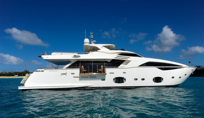 Superyacht AMORE MIO - Built by Ferretti