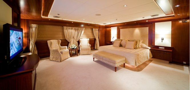 Superyacht LAUREN L - Master suite