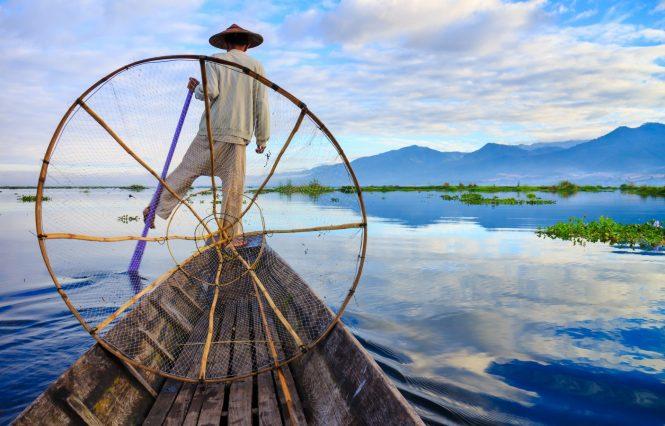 Fisherman in Myanmar © Myanmar Tourism Federation (MTF)
