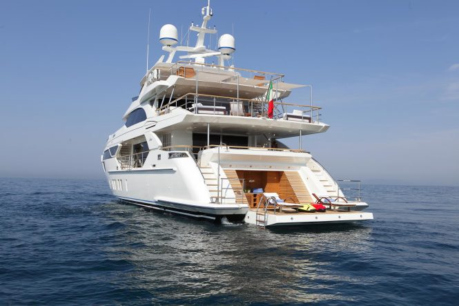 Benetti superyacht SKYLER beach club