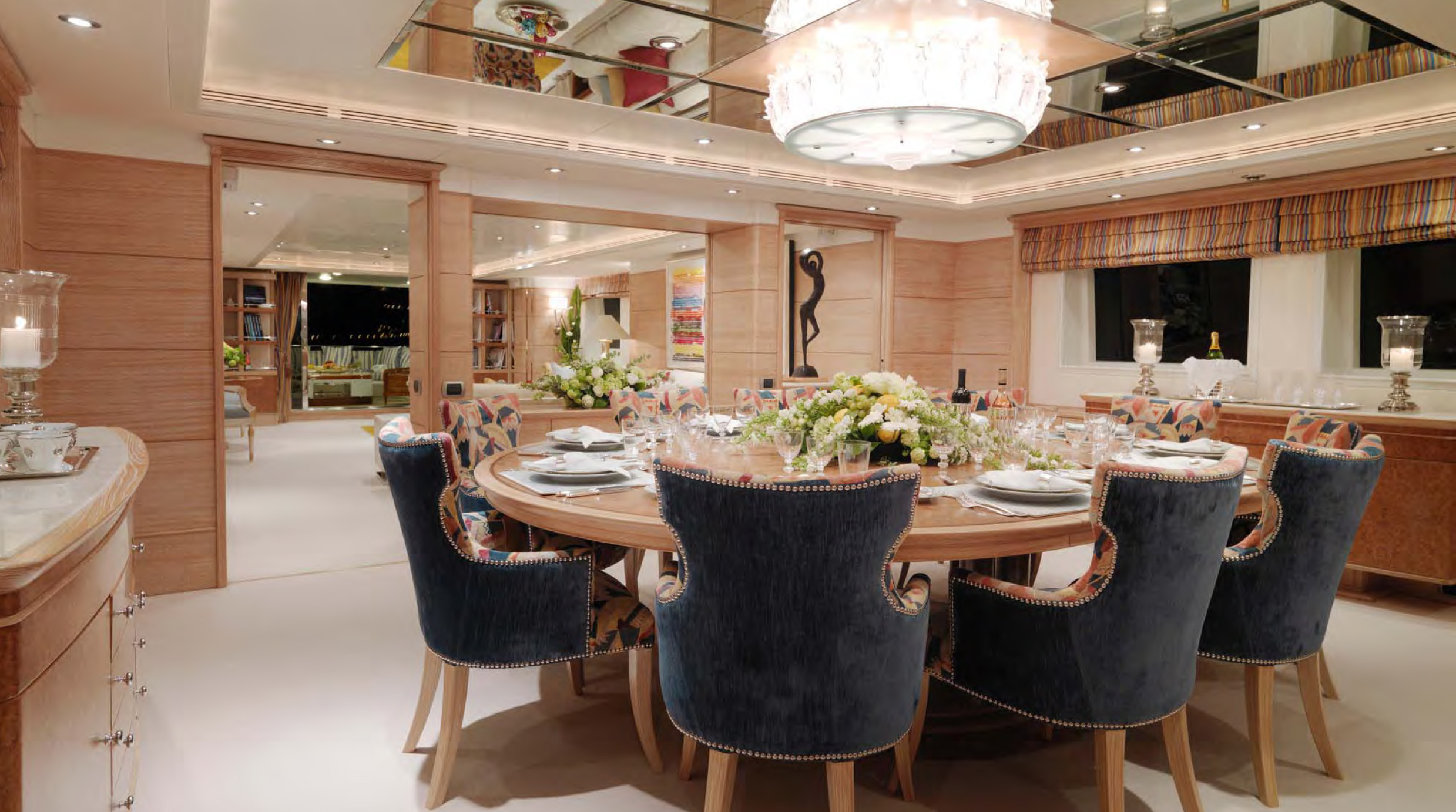 Special offer reduced jan feb bahamas charters aboard for Formal dining area