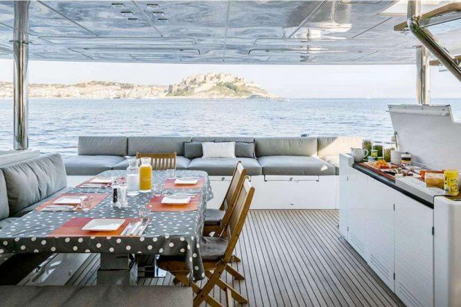 Exterior areas - aft deck aboard TWIN catamaran