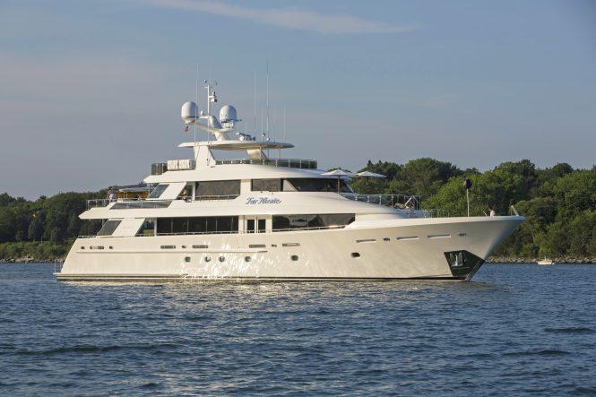 Luxury yacht FAR NIENTE