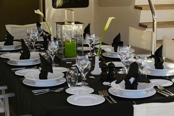 alfresco dining set up