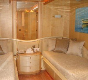 Twin Bed Stateroom On Yacht BLUE BREEZE