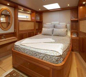 CINDERELLA IV -  Forward Double Cabin