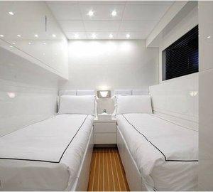 Motor yacht FRIDAY - Twin Cabin