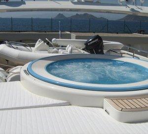 NIRA - Spa Pool and Tender