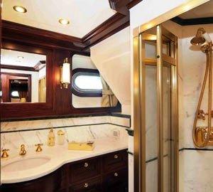 SILVIA M -  Twin Bathroom