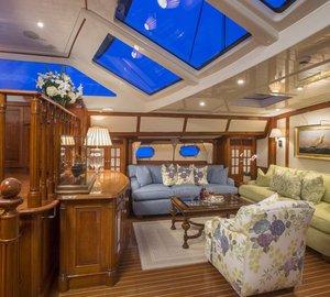 Sailing yacht WHISPER -  Main Salon Seating