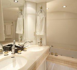 Yacht LA MASCARADE -  Master Bathroom