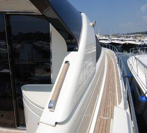 Yacht TEONE - Side Deck