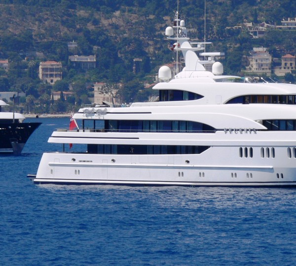 See The Entire List of Luxury Yachts 61m (200 ft) In Length