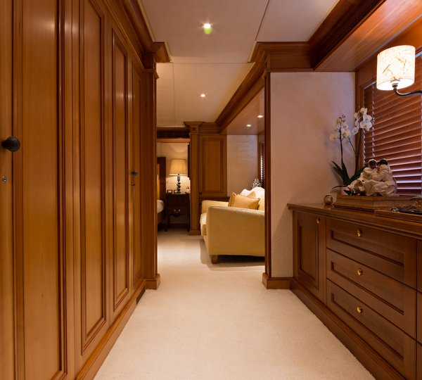 Duke Town Yacht Charter Details Hessen Charterworld Luxury
