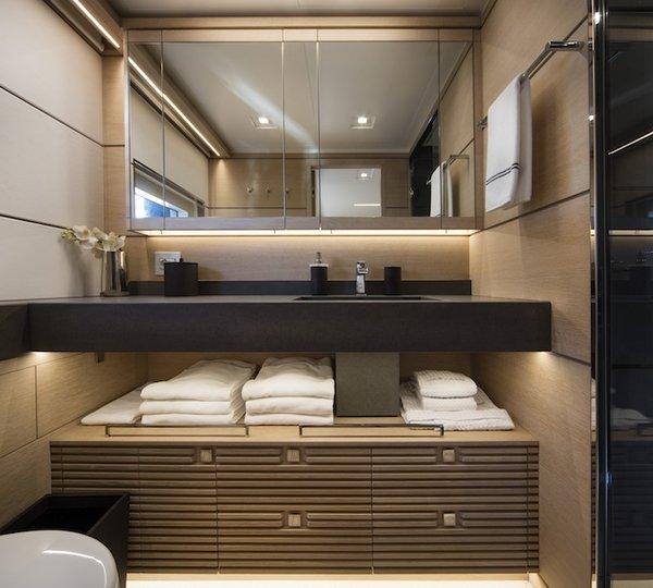 Guest Bathroom Ideas With Pleasant Atmosphere: Yacht NARVALO, Nauta Air 108' Explorer