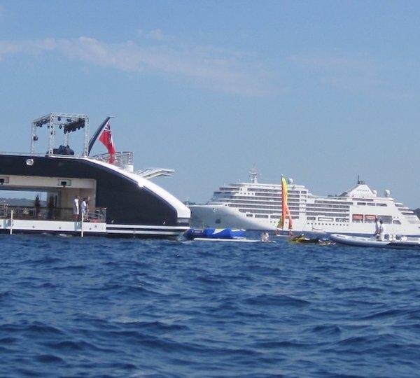 Serene Yacht Charter Details Fincantieri Charterworld Luxury