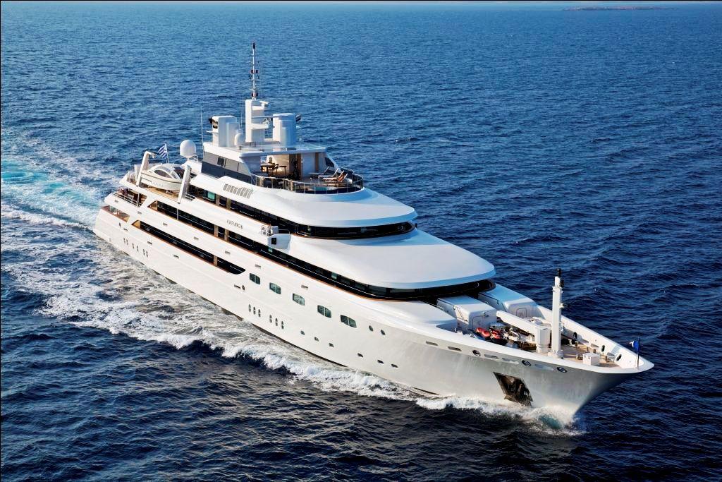 Charter Yacht Omega Underway