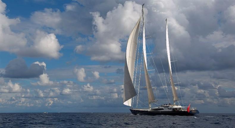 Luxury charter yacht Drumbeat