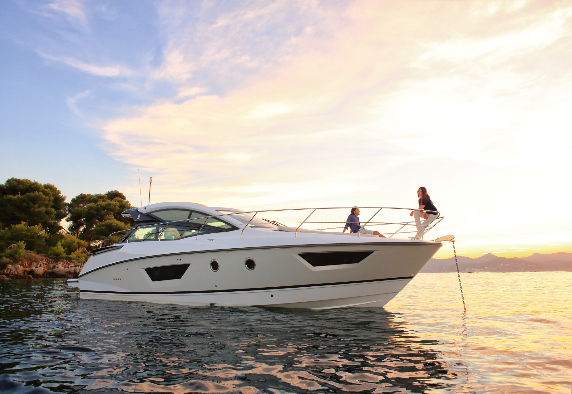 Motor yacht charter boats under 50ft/15m  | CHARTERWORLD