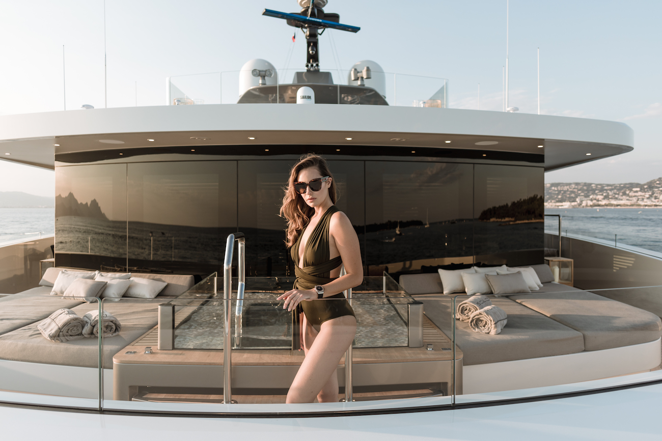 Superyacht SOLO Reviewed | CHARTERWORLD Luxury Yacht Charters