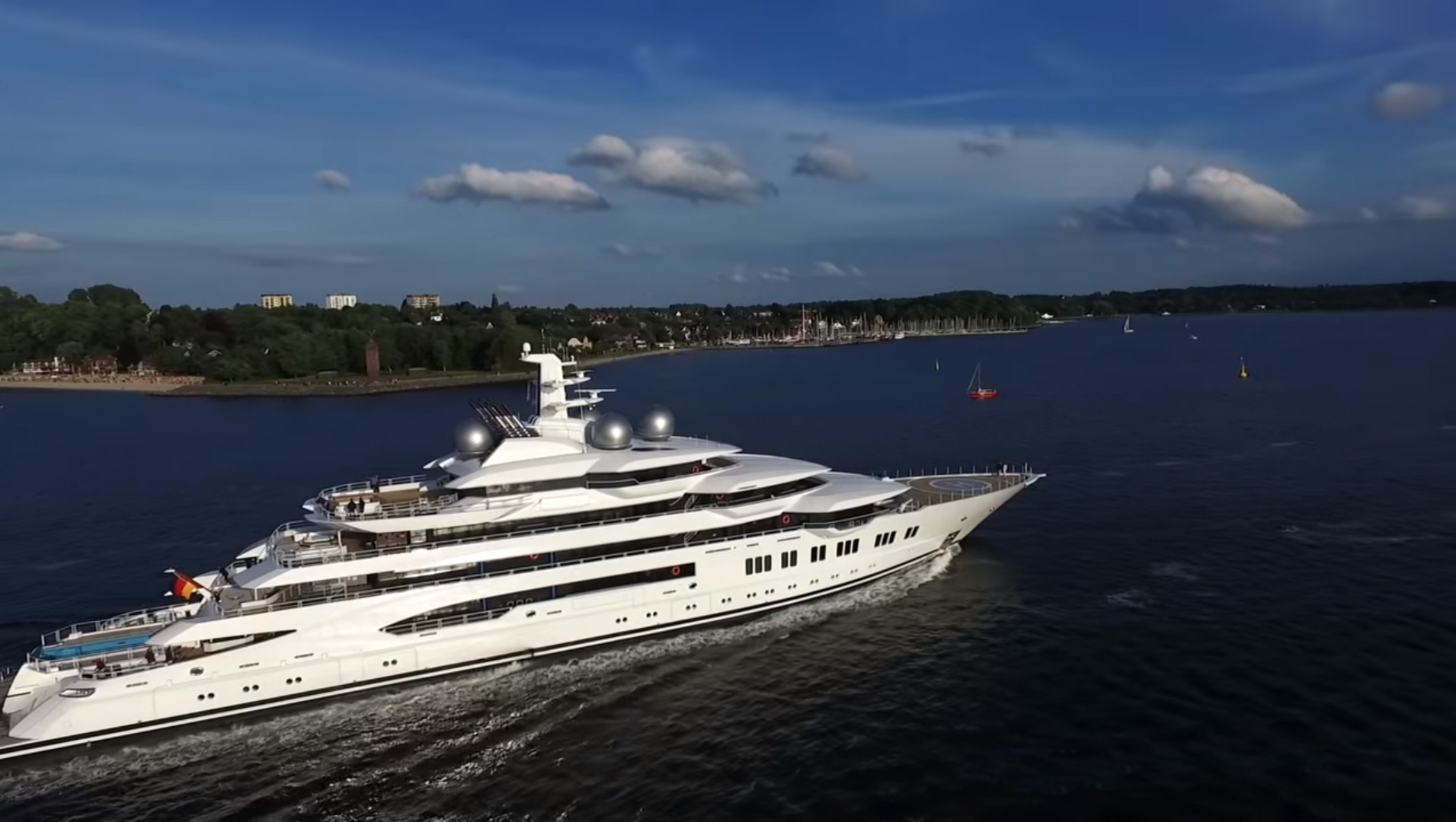 The 106m Yacht AMADEA
