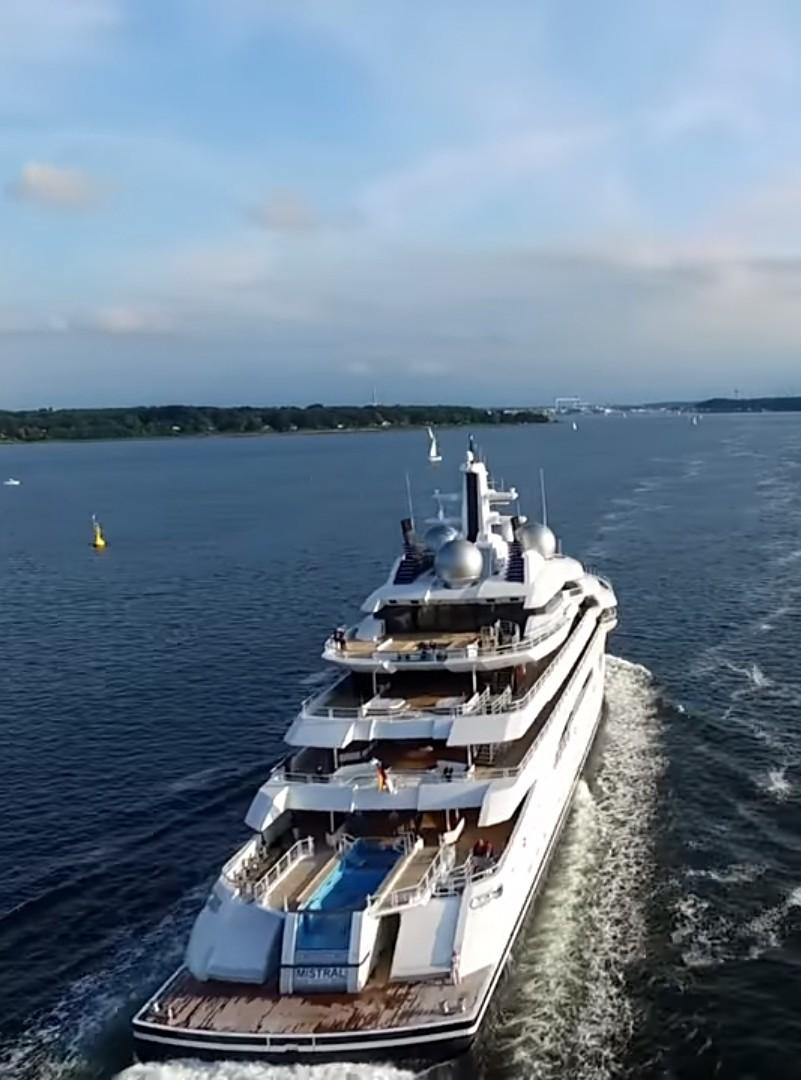 The 106m Yacht AMADEA