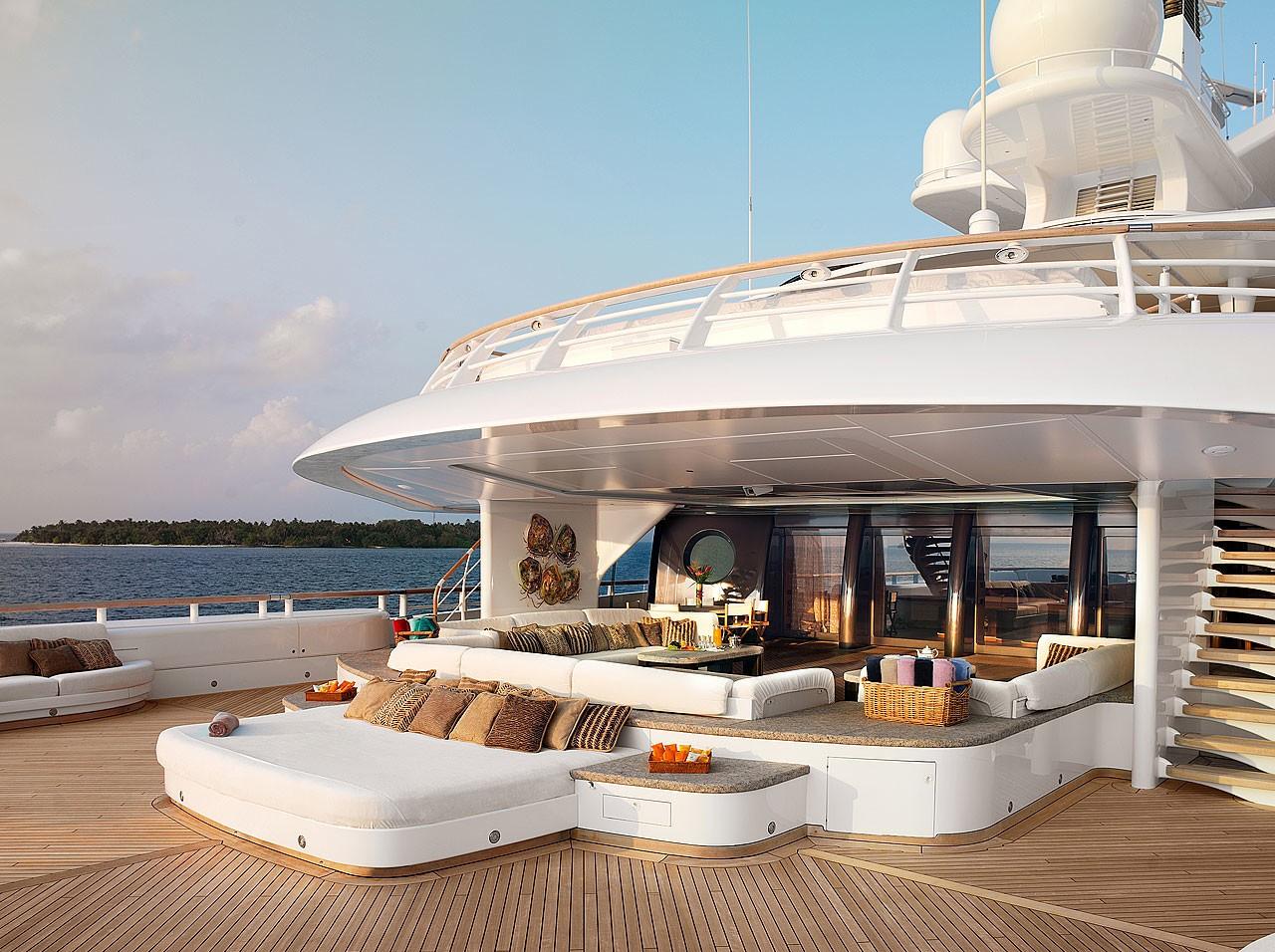 Yacht pelorus lurssen charterworld luxury superyacht for Lurssen yacht genova