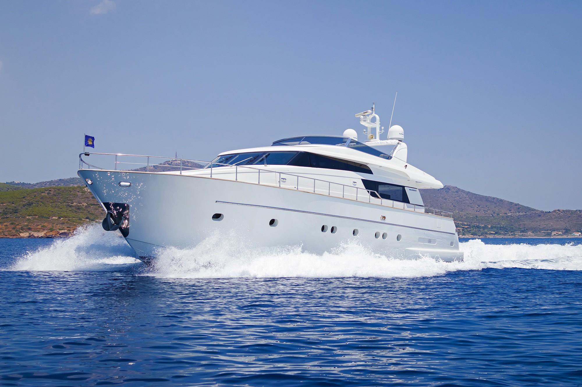 The 21m Yacht FOS