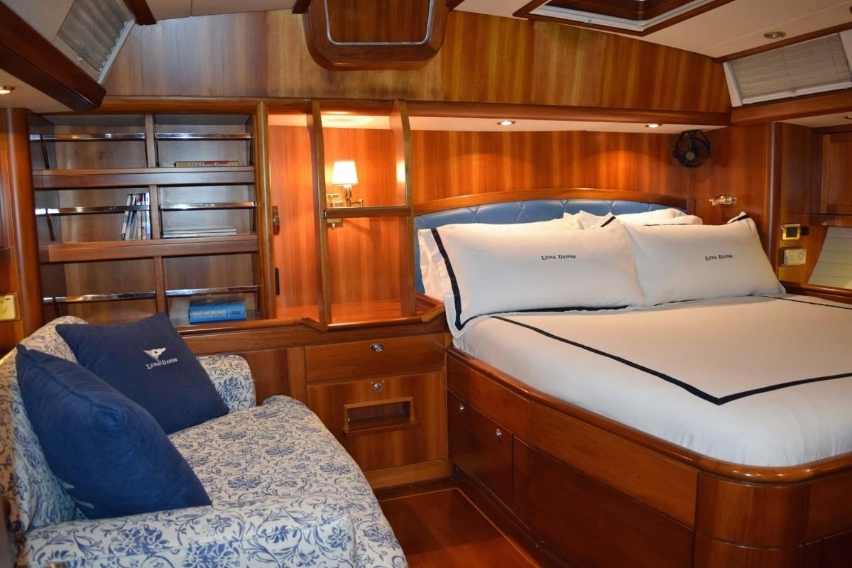 The 21m Yacht LUNA DANNS