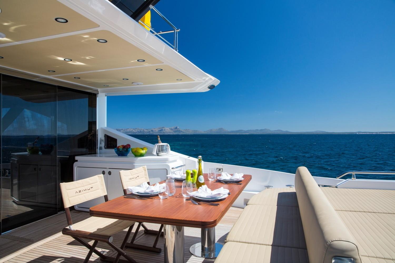 Life On Board Yacht TOFFEE CRISP