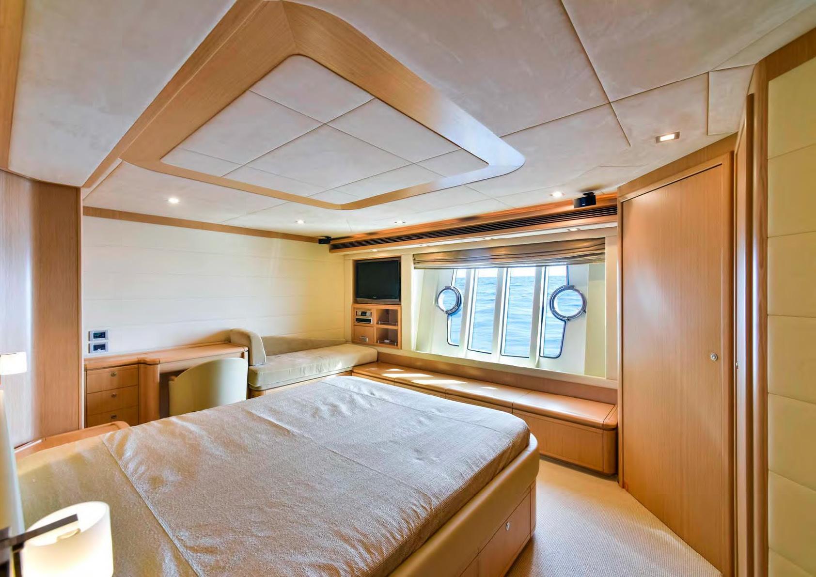 The 25m Yacht JULIE M