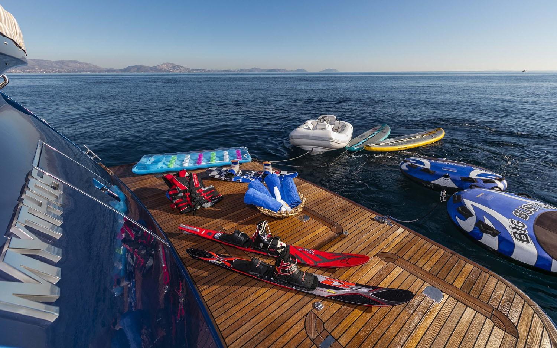 The 25m Yacht MYTHOS