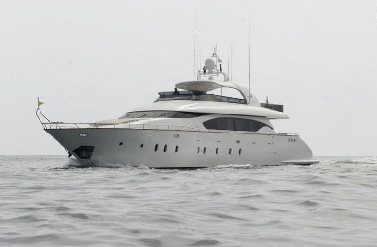 The 27m Yacht MY LIFE