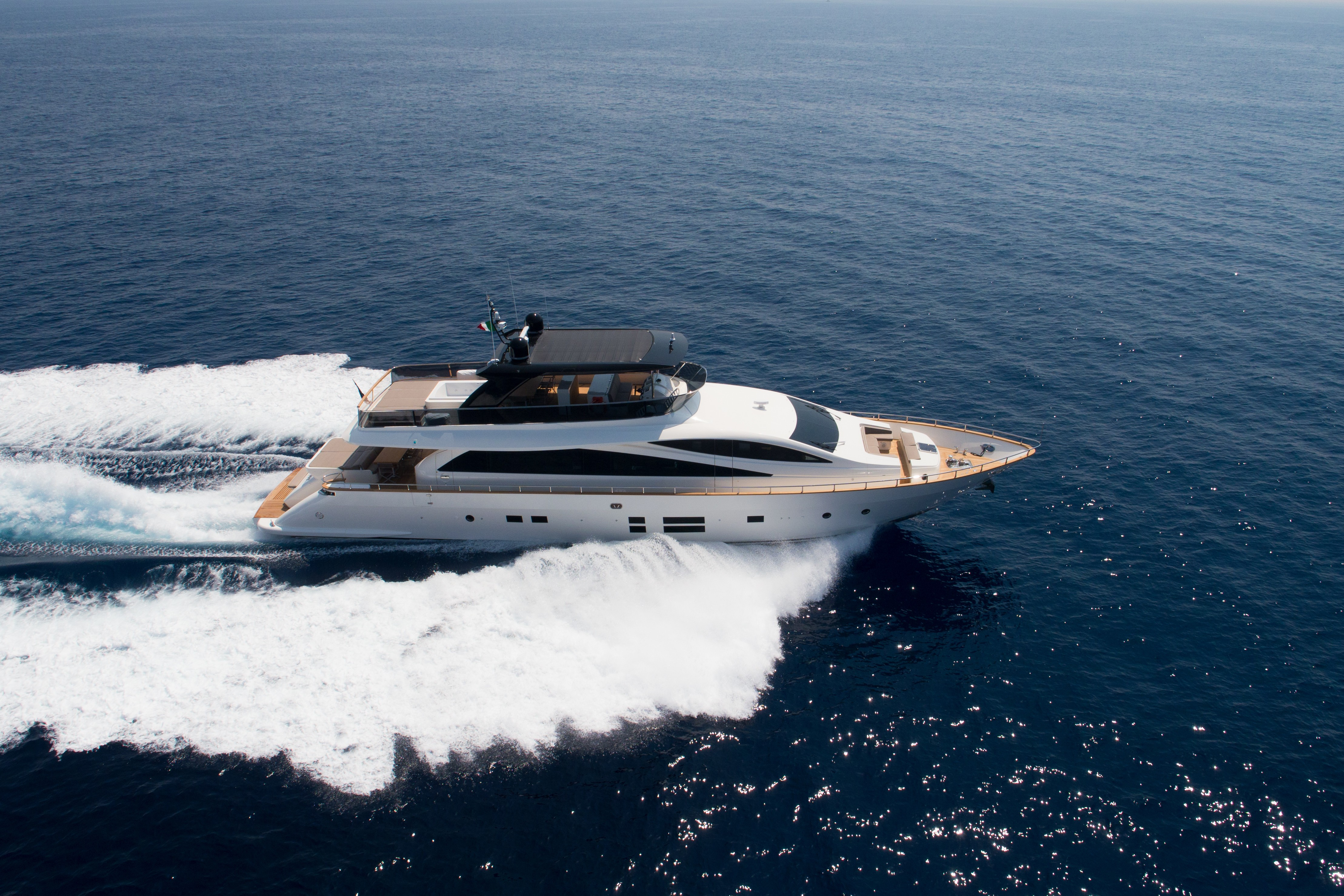 The 28m Yacht BACCARAT - Aerial cruising